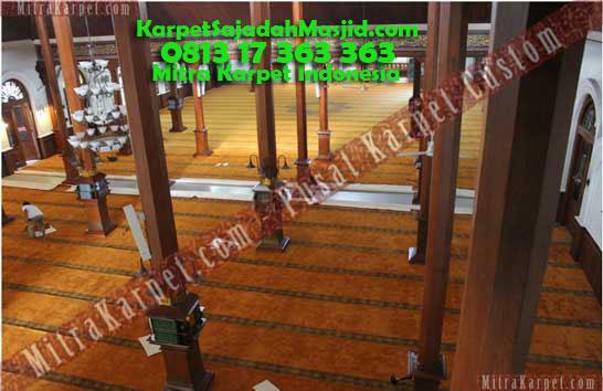 Karpet Masjid Malang Jami Agung Terpasang