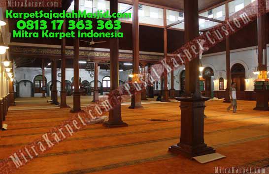 Tampak Karpet Masjid Malang Jami Agung
